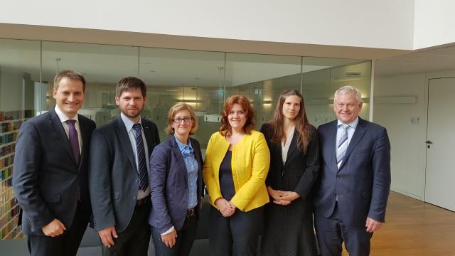 Mainzer Wirtschaftsjunioren mit den Berliner Abgeordneten